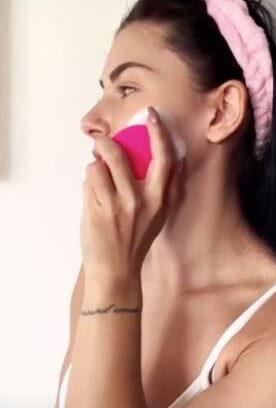 Spazzola sonica compatta per la pulizia del viso B-Pure photo review